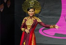 """Video: Trương Thị May: """"Tôi tự hào hai tiếng Việt Nam"""""""