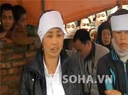 Bà Đặng Thị Thao (chị gái nạn nhân Trường) bức xúc kể lại sự việc.