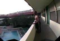 """""""Đứng tim"""" trước màn nhảy vào hồ bơi từ... tầng 2"""
