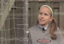 Cô bé 12 tuổi tâng bóng siêu đẳng gây sốt