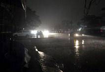 """Hiện tượng lạ, ngày """"bỗng thành"""" đêm ở TP Hạ Long"""