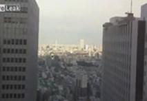 Rùng rợn những tòa nhà cao tầng lung lay khi gặp động đất tại Nhật