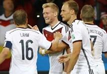 """Đức 2-1 Algeria: """"Xe tăng"""" suýt tuột xích"""