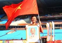 Bất ngờ với lá cờ Việt Nam trên khán đài World Cup
