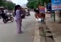 Cậu bé bị mẹ lột truồng đánh ngoài phố gây xôn xao