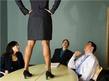 """12 dấu hiệu để biết sếp của bạn thật """"khủng khiếp"""""""