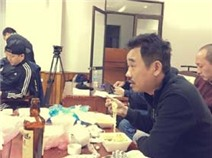 Quốc Khánh ăn mì tôm lấy sức tập Táo quân 2105
