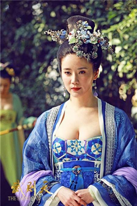 Xem Phim Blouse Trang Online 10