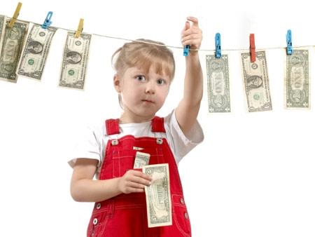 Để trẻ nhỏ làm việc kiếm tiền, nên hay không?