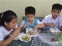 Bất an bữa ăn học trò