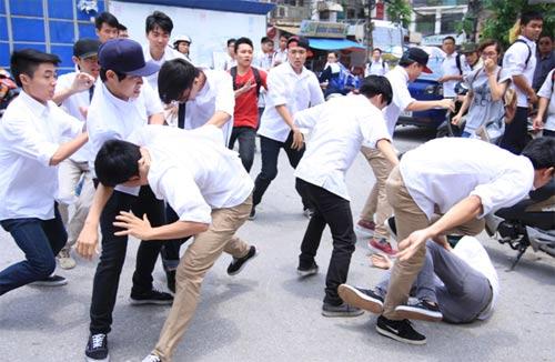 Bạo lực học đường: Vì đâu nên nỗi?