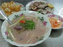 Đi tìm 3 quán cháo lòng lâu năm ở Sài Gòn