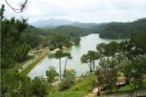 Thưởng ngoạn 5 hồ nước trong xanh và thơ mộng ở Đà Lạt