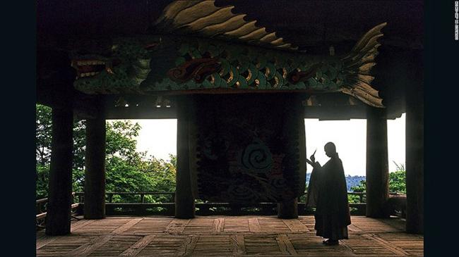 13. Buseoksa: 108 bậc thang từ cổng Cheonwang tới cổng Anyang ở đền Buseoksa tượng trưng cho số lần luân hồi.
