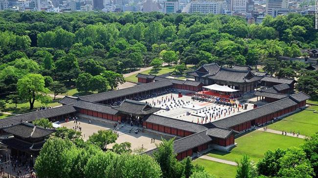 8. Changgyeonggung: Được vua Sejong xây dựng vào năm 1483, Changgyeonggung là nơi ở của các hoàng hậu và vương phi của triều Joseon.