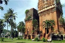 Thăm tháp cổ Quy Nhơn