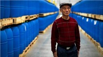 Triệu phú gốc Việt làm giàu bằng tương ớt ở Mỹ