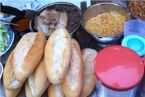10 hàng bánh mì ngon nức tiếng ở Hà Nội