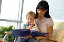 Đọc sách cùng con thay vì chỉ… mua sách cho con