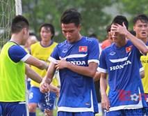 Nắng nóng gay gắt, HLV Miura cho học trò nghỉ tập