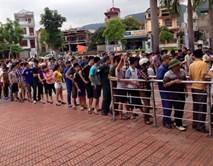 CĐV Quảng Ninh xếp hàng dài mua vé xem U23 Việt Nam đấu Myanmar