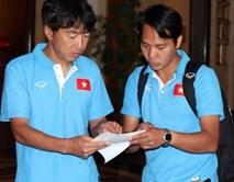 Vừa kết thúc buổi tập, HLV Miura lập tức sang Thái Lan xem giò đối thủ