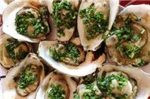 Ra Long Sơn ăn hải sản