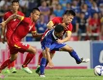 Tiền vệ ĐTVN phủ nhận chơi thô bạo khi gặp Thái Lan