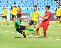 Hàng công bùng nổ, U23 Việt Nam chơi tennis trước Brunei