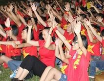 Fan Việt vẫn cháy hết mình dù thầy trò HLV Miura thất bại trước Thái Lan