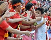 Gạt nỗi buồn, U23 Việt Nam quyết thắng U23 Indonesia