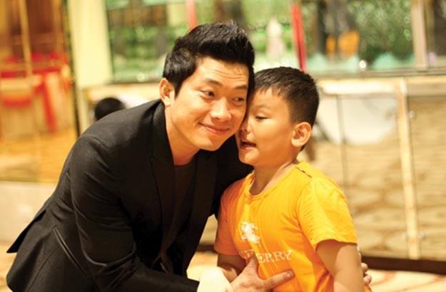 Thấm thía cách dạy con của sao Việt ảnh 4