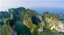 Vẻ tráng lệ của vịnh Hạ Long nhìn từ trên cao