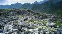 Bãi đá Mặt trăng trên cao nguyên đá Hà Giang