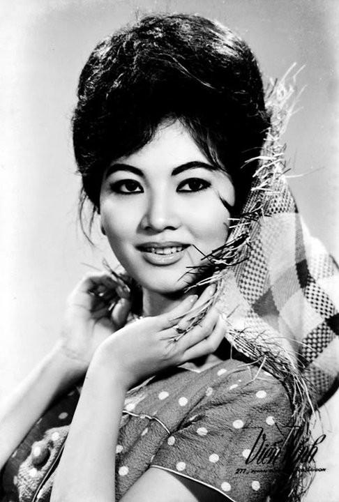 Thẩm Thúy Hằng (sinh ngày 20/10/1940) là một diễn viên Việt Nam nổi tiếng.