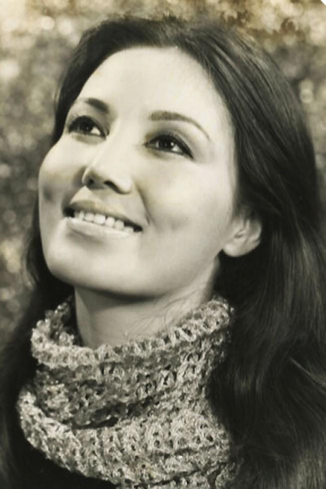 Kiều Chinh (tên khai sinh là Nguyễn Thị Chinh, sinh 3/7/1937 tại Hà Nội). Bà là nữ diễn viên nổi tiếng ở miền Nam Việt Nam trước năm 1975