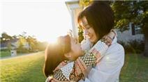 Những điều nhất định phải dạy con gái để lớn lên trở thành người tốt