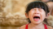 Cách ứng xử với những cơn phản kháng từ trẻ của cha mẹ Nhật