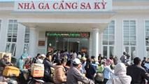 Hàng ngàn người Lý Sơn tắc đường về quê ăn tết
