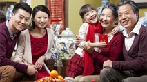 5 điều về tiền mừng tuổi bố mẹ cần dạy con vào mỗi dịp Tết
