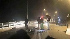 Thương tâm: 2 cậu cháu tử vong do lạc tay lái xe máy vào nhau