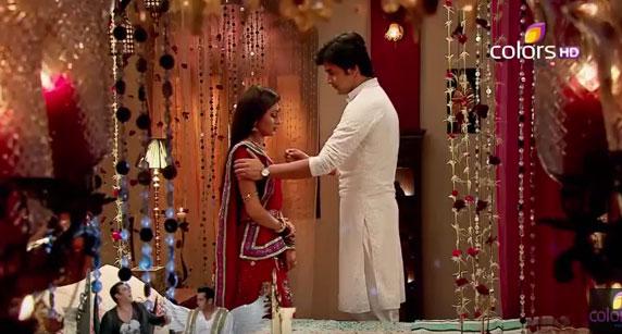 Xem trước Cô dâu 8 tuổi - Tập 36: Đêm tân hôn cực kỳ nóng bỏng của Jagdish và Ganga ảnh 2
