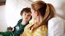 """10 câu nói của bố mẹ có sức mạnh """"ngàn cân"""" với bé"""