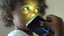 Cảnh báo về tác động khủng khiếp của điện thoại lên trẻ em