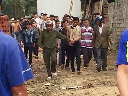Chồng chém chết vợ ở Thanh Hóa: Mẹ dùng thân mình che cho con 11 tháng