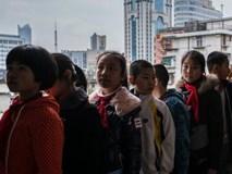 Người Trung Quốc dạy con: Vả vào mặt nếu không nghe lời