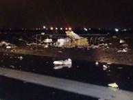 Hiện trường máy bay vỡ tan tành
