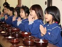 Ngả mũ thán phục trước những bài học tuyệt vời trẻ em Nhật được dạy