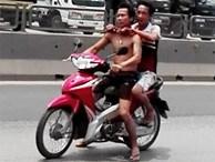 30 cảnh sát truy đuổi kẻ gí dao khống chế con tin