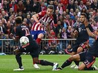 """Pha solo """"thần thánh"""" biến 5 cầu thủ Bayern thành… trẻ con"""